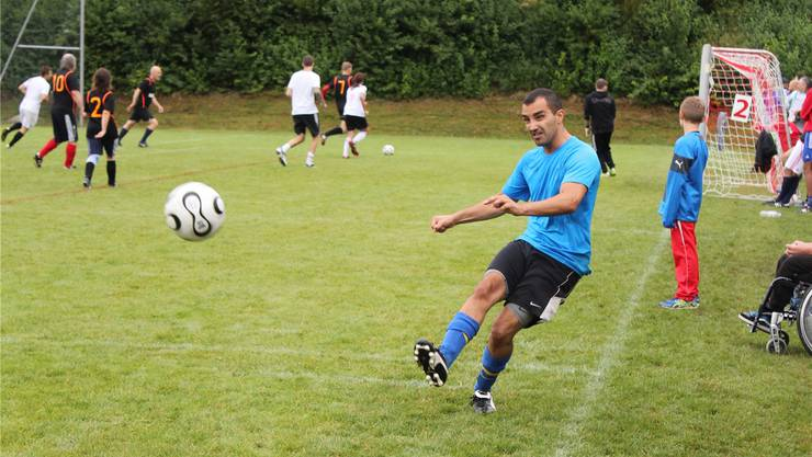 Uitikon führt definitiv eine Sporkommission und einen Sportkoordinator ein. Im Bild das Dorfplauschturnier des FC Uitikon im August 2015.Archiv/André Moita Saraiva