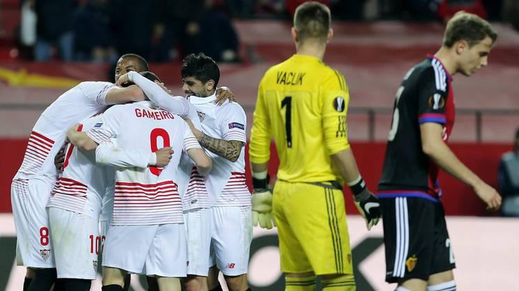 Jubel bei Sevilla, Frust beim FC Basel.