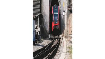 Eine Zugskomposition im Weissensteintunnel. (Archiv)