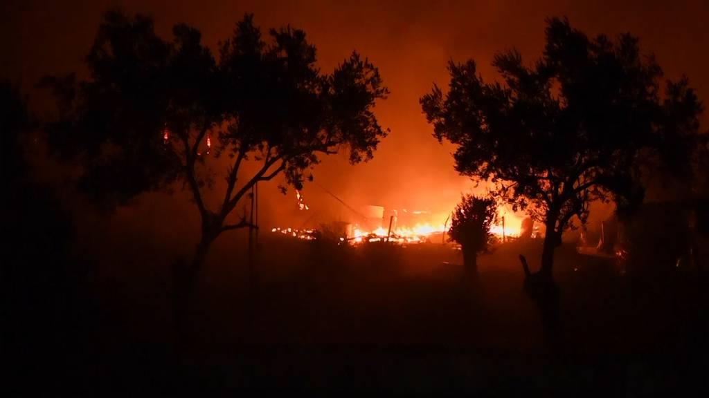 Flüchtlingslager Moria auf Lesbos steht in Flammen
