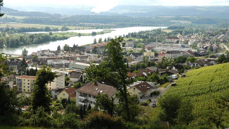 Blick vom Rebberg auf Döttingen.