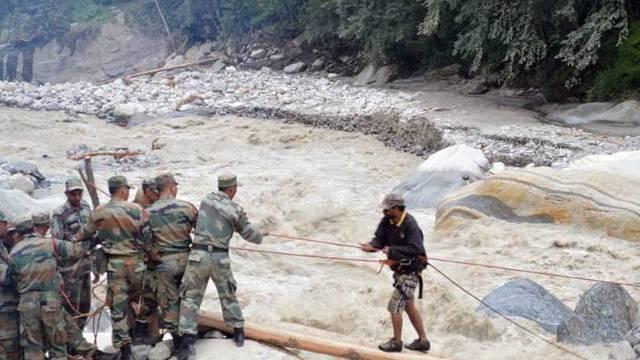 Rettungsaktion der indischen Armee in Uttarakhand (Archiv)