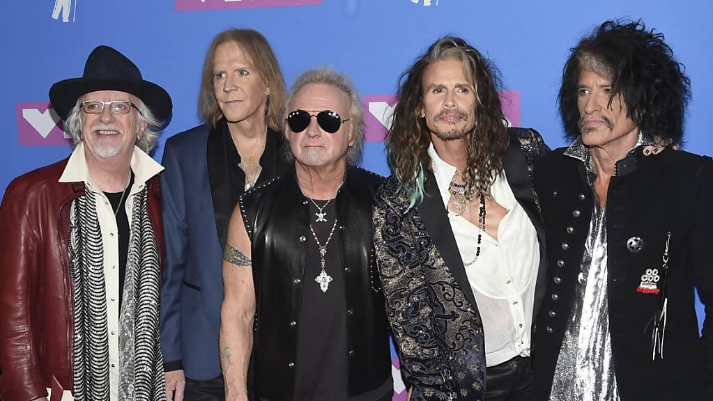 Die Band Aerosmith soll im kommenden Jahr - just zu ihrem 50. Gründungsjubiläum - ausgezeichnet werden. (Archivbild)