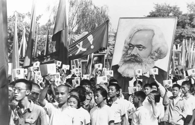 Auch in China fanden Marx Theorien viele Unterstützer. Im Bild: Kundgebung anlässlich der Kulturrevolution 1966.