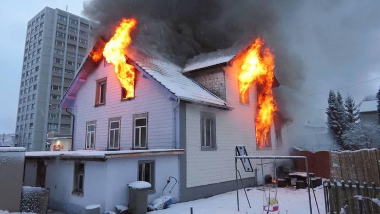 Das Haus stand nach kurzer Zeit in Vollbrand