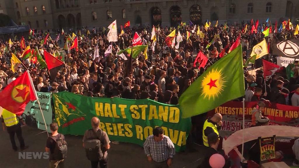 Kurden-Demo: Tausende zeigen Solidarität mit Rojava