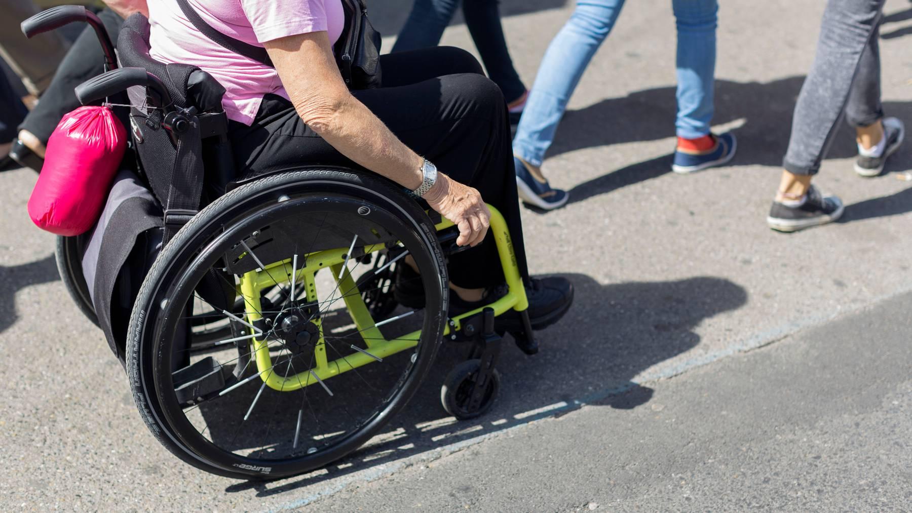 Bei IV-Gutachten werden Versicherte zum Teil beleidigt und müssten sich rechtfertigen, kririsiert Inclusion Handicap. (Symbolbild)