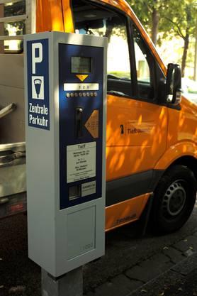 Parkuhren können einfach per Steckkarte umprogrammiert werden.