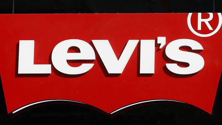 Die Traditionsmarke Levi's konnte im Vorfeld ihres Börsengangs den Ausgabepreis der neuen Aktien erhöhen. (Archivbild)