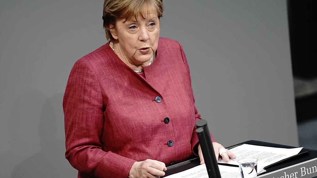 dpatopbilder - Bundeskanzlerin Angela Merkel (CDU) spricht im Bundestag anlässlich der geplanten landesweiten Notbremse. Foto: Kay Nietfeld/dpa