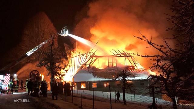 Bauernhof in Affoltern brennt komplett nieder