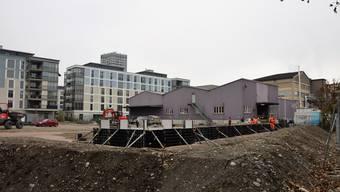 Das Provisorium Stierenmatt und somit die erste Tagesschule Dietikons befindet sich derzeit noch im Bau. Schon nächsten Sommer soll das Schulhaus eröffnen.