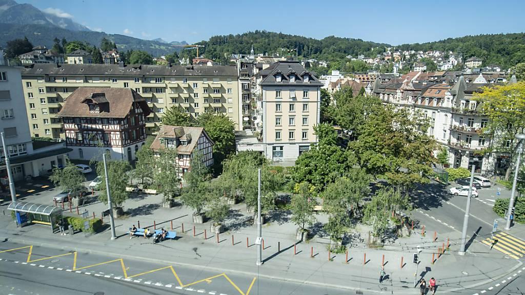 Für die geplante Überbauung am Pilatusplatz soll die Investorin der Stadt jährlich 500'000 Franken Baurechtzins abgeben. (Archivbild)