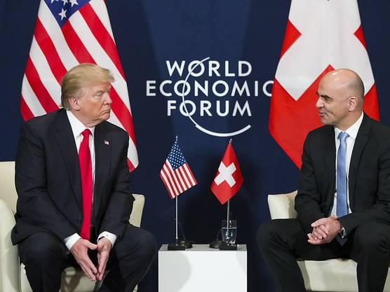 """Bundespräsident Berset (r.) spricht von einem Gespräch """"auf Augenhöhe"""" mit US-Präsident Trump."""