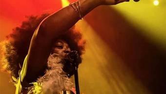 Die New Yorkerin Bette Smith bringt ihr Publikum mit Powersoul zum Tanzen.
