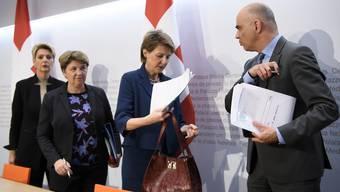 Die Bundesräte Karin Keller-Sutter, Viola Amherd, Simonetta Sommaruga und Alain Berset (v.l.) informierten über die neusten Massnahmen.