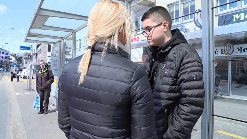 Jugendliche verprügeln Autisten am hellichten Tag: «Mein Junge getraut sich nicht mehr raus.»