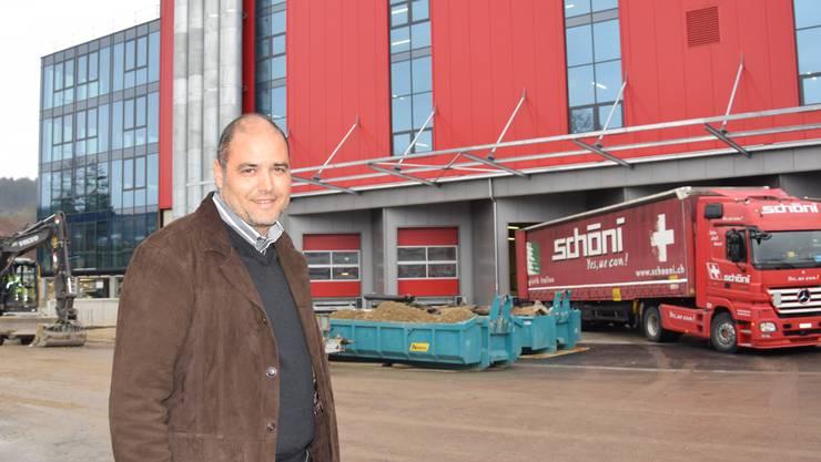Firmenchef Daniel Schöni freut sich auf den Einzug in den neuen Hauptsitz des Transportunternehmens in Rothrist.