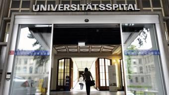 Haupteingang des Unispitals Zürich.