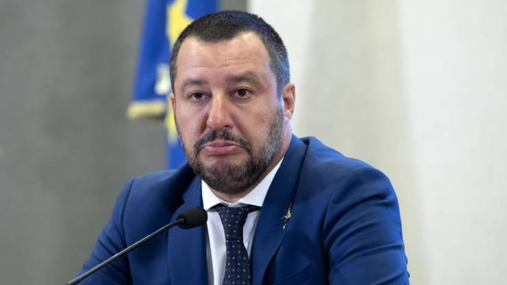 Grosses Ego und grosses Mundwerk - den italienischen Innenminister Matteo Salvini von der rechtsnationalistischen Lega sähen gleichgesinnte Parteien in anderen EU-Ländern gerne als Nachfolger von Kommissions-Chef Jean-Claude Juncker.