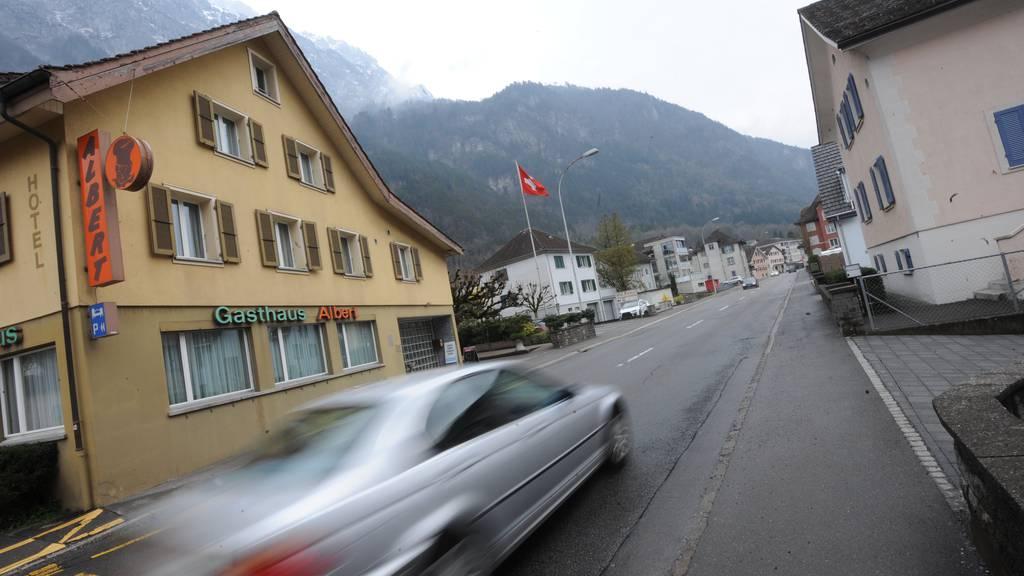 Der Unfall geschah auf der Gotthardstrasse zwischen Amsteg und Erstfeld (Symbolbild).