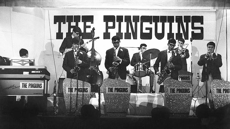 «The Pinguins» 1967 im Rupperswiler Bären (v. l.): Peter Falcinelli, Frank Keller, Jack Säuberli, Ulrich Wild, Kurt Dietiker, Hansrudolf Wild, Kurt Baldinger, Peter Baldinger.  (ZVG)