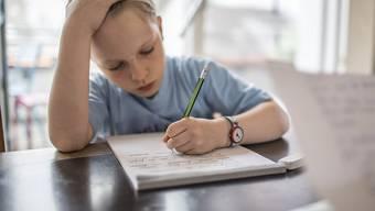 Spanische Familien finden, die Kinder im Land müssten zu viele Hausaufgaben machen - und wollen diese abschaffen. (Symbolbild)