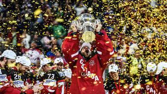 Als die Kanadier den WM-Pokal in die Höhe stemmen konnten, standen die russischen Finalverlierer bereits unter der Dusche statt als Spalier auf dem Eis