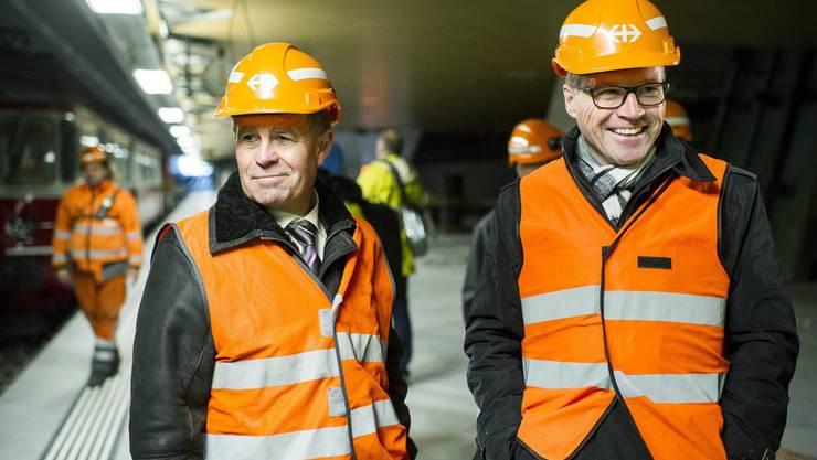 Volkswirtschaftsdirektor Ernst Stocker und der SBB-CEO Andreas Meyer freuen sich sichtlich  auf die Eröffnung in 200 Tagen
