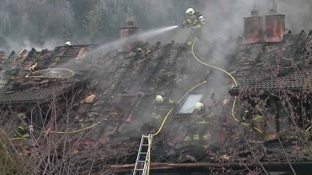 Brand macht 3 Häuser unbewohnbar