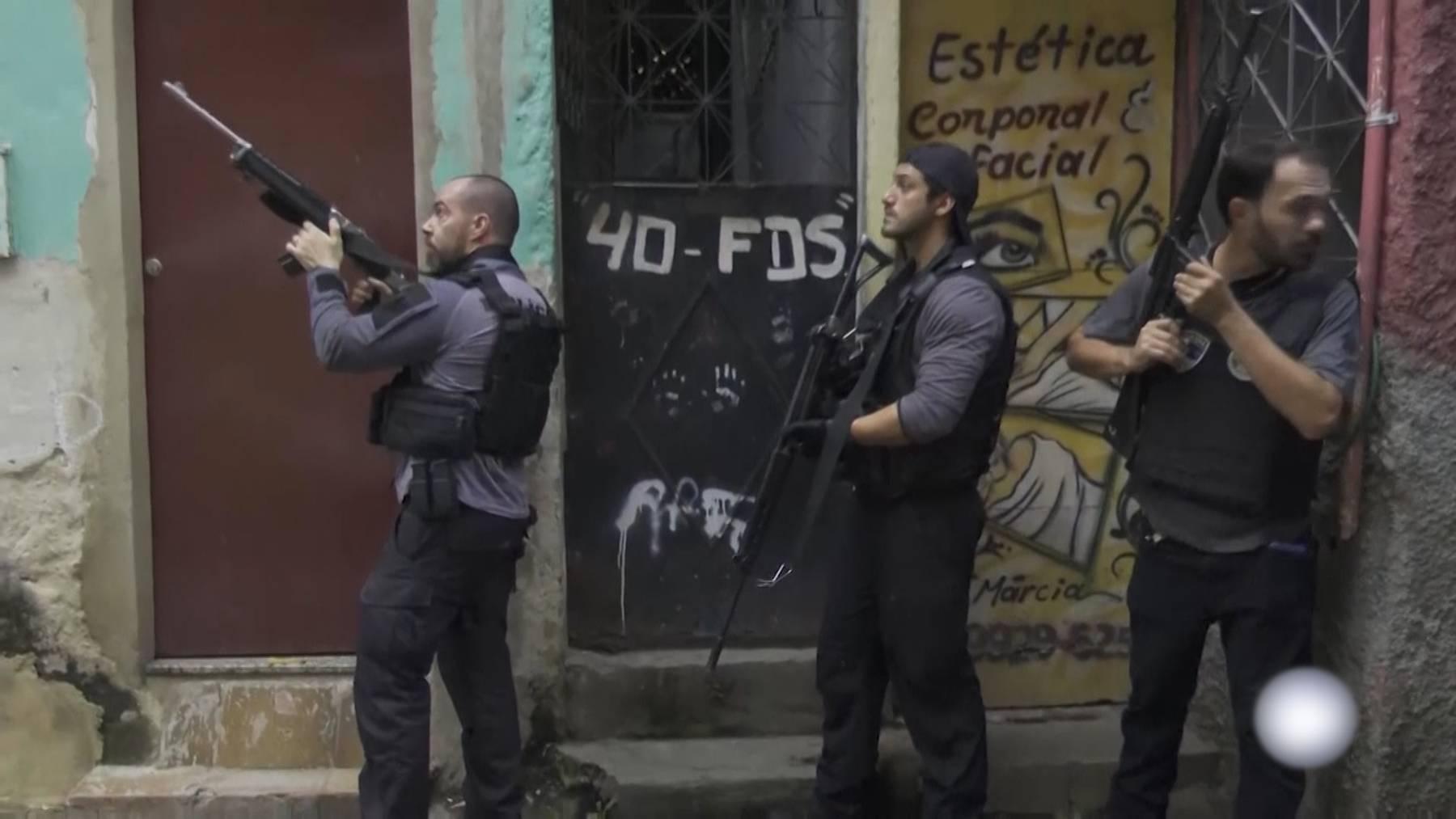 28 Menschen, unter ihnen 27 Verdächtige, kamen bei heftigen Gefechten zwischen mutmasslichen Drogenbanden und der Polizei ums Leben.
