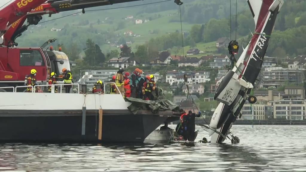 Altenrhein (SG): Flugzeug erfolgreich aus Bodensee geborgen, zerlegt und verladen