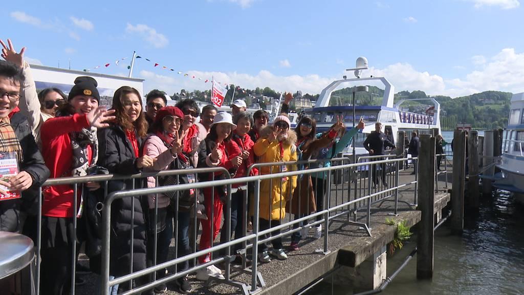 Chinesische Reisegruppe in Luzern