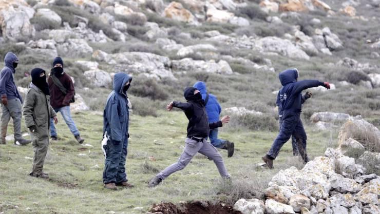 Bei der Räumung der Siedlung Amona kam es zu Gewalt. Mehrere Menschen wurden verletzt.