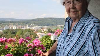Hildegard Mühlethaler auf ihrem Balkon in Windisch: «Ich konnte einfach den Mund nie halten.»