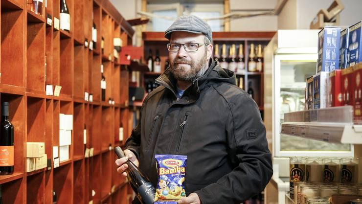 In Dättwil aufgewachsen, heute in Zürich zu Hause: Beni Frenkel im koscheren Laden «Le Shuk» in Zürich Enge. Claudio Thoma