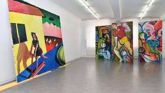 Werke von Andreas Hofer (links) und Roland Spielmann an der neu eröffneten Ausstellung «Hunger nach Bildern» im Kunstmuseum Olten.