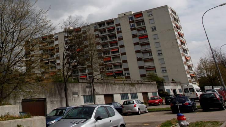 Marktstrasse 11 und 9 von aussen: Betroffen sind die zwei Abschnitte links.