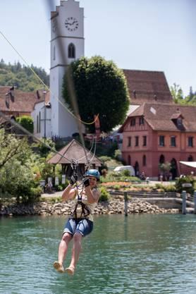 Mit der Tyrolienne über die Aare schweben