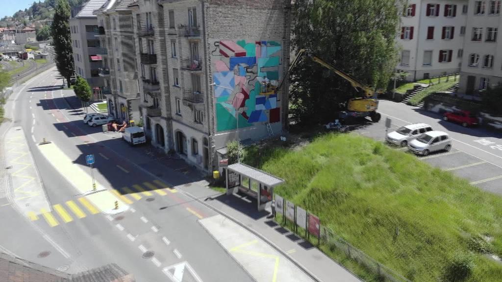 Für eine farbige Stadt: St.Galler Künstler malt Wand an