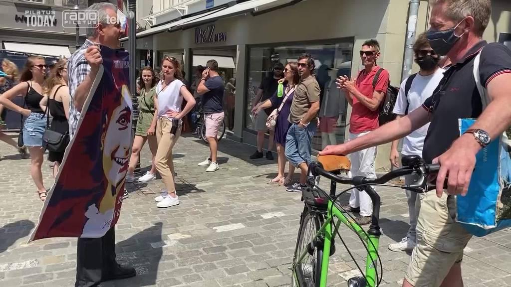 Hunderte Massnahmengegner zogen durch Luzern – zwei Festnahmen