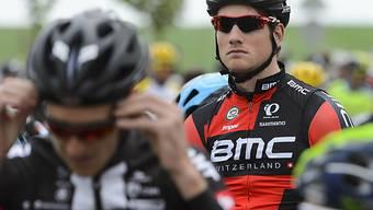 Stefan Küng vor dem Start zur Etappe nach Freiburg.