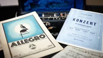 Das Stadtorchester hat tief in seinem Archiv gewühlt, aber auch Multimediales ist zu sehen.