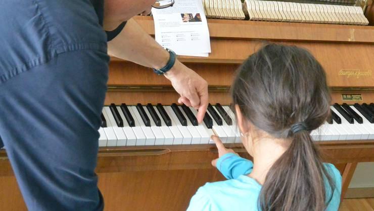 An der Musikschule Aarau werden die Elternbeiträge aufs neue Schuljahr erhöht.