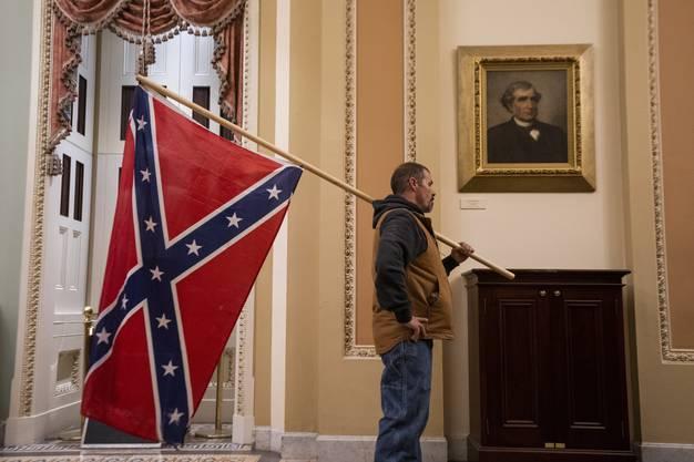 Die Flagge der Konföderierten im Kapitol: Das gabs nicht mal im amerikanischen Bürgerkrieg (1861 bis 1865).