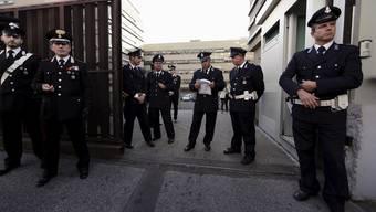 Carabinieri vor dem Justizpalast in Rom, in dem der «Mafia Capitale» der Prozess gemacht wird.