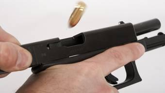 Das Opfer wurde von einem Schuss schwer verletzt (Symbolbild)