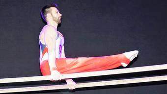 Reck-Europameister Oliver Hegi zeigt sein Können am Turnerabend.
