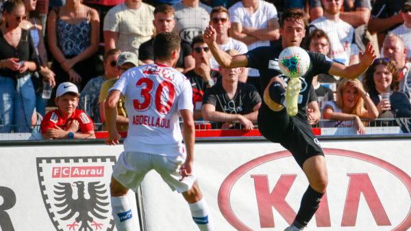 Der FC Aarau spielt gegen den FC Sion auf Augenhöhe.