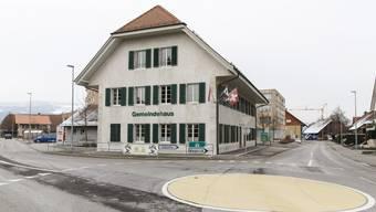 Der Gemeinderat  Deitingen hält seine Sitzungen jeweils im Gemeindehaus ab.